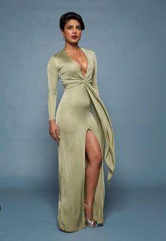 Priyanka Chopra in Baywatch promotional photos Most Beautiful Bollywood Actress, Indian Bollywood Actress, Indian Actress Hot Pics, Bollywood Actress Hot Photos, Bollywood Girls, Bollywood Saree, Bollywood Fashion, Indian Actresses, Hot Actresses