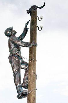 monument to the rescuer in Nizhny Novgorod /Russia/ Nizhny Novgorod, Ocean Art, Garden Statues, Utility Pole, Public, Sculpture, Amazing, Photography, Painting