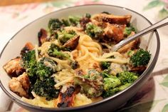 Skinny Chicken & Broccoli Alfredo-might try using spaghetti squash instead of pasta