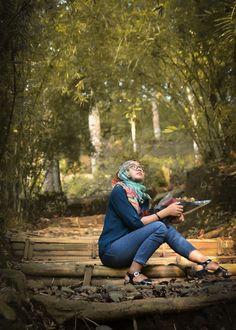 Menikmati suasana hutan bambu