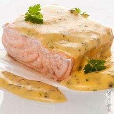 Salmón con salsa fácil