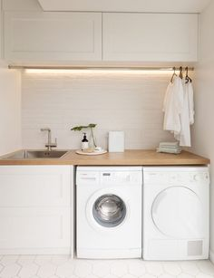 Laundry Room Ideas Discover This stylish laundry will make you want to do the washing With its herringbone oak benchtop white hexagon tiles and bagged-brick splashback this laundry is anything but ordinary. Take a look here Laundry Decor, Laundry Room Organization, Laundry Room Design, Laundry In Bathroom, Organization Ideas, Laundry Room Small, Laundry Closet, Laundry Cupboard, Laundry Room Cabinets