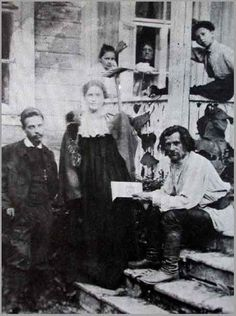 Now THIS is a handsome lot//Rilke with Lou Andreas-Salomé in Russia with the poet Spiridon Drozin (1900)