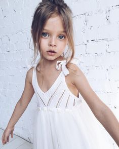 Parenting How To Young Girl Fashion, Preteen Girls Fashion, Kids Fashion, Cute Girl Photo, Cute Baby Girl, Cute Girls, Little Girl Bikini, Bikini Girls, Little Girl Models