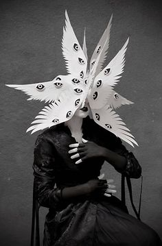 angel halloween costumes The Angelic Host Mask by Philip Valdez Photo/styling by Eliza Lazo de Valdez Arte Fashion, Fashion Fashion, Arte Horror, Costume Design, Dark Art, Wearable Art, Art Inspo, Art Reference, Character Inspiration