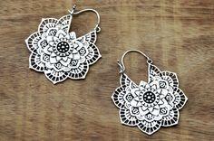 Mandala flor aretes, pendientes Boho, pendientes de gitana, aretes de plata, pendientes indios, bohemio pendientes, pendientes tribales, indios de la joyería