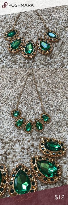 Statement necklace Emerald green & gold statement necklace Jewelry Necklaces