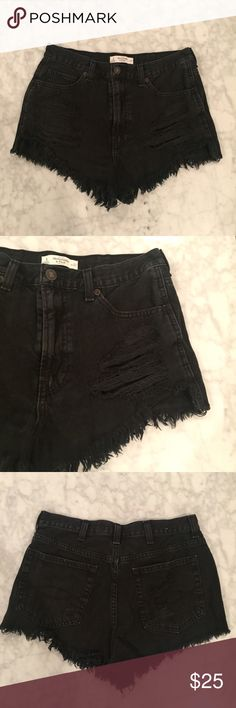 Abercrombie & Fitch High Waisted Shorts Abercrombie & Fitch high waisted shorts! Size 27! 🚫NO TRADES🚫 Abercrombie & Fitch Shorts Jean Shorts