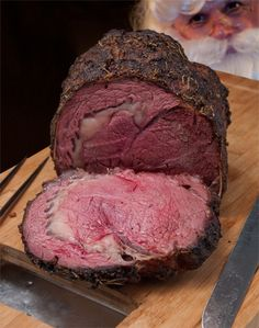 Garlic Herb Prime Rib Roast Garlic Herb Prime Rib Roast is the perfect Christmas lunch or dinner, full of flavour and ready in under one hour! Buttery Garlic Herb Prime Rib Roast ready in under one hour? Roast Beef Recipes, Rib Recipes, Cooking Recipes, Cooking Beef, Barbecue Recipes, Roast Beef On Bbq, Pot Roast, Roast Cafe, Cooking Tips