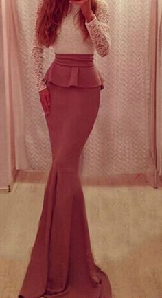 Dolly - SModels - L'eleganza e la femminilità con un unico vestito.