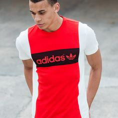 The adidas Originals Vintage Blocking T-Shirt online in store. 3d T Shirts, Great T Shirts, Boys Shirts, Adidas Shirt Mens, Adidas Men, Sport Outfits, Casual Outfits, Men Casual, Adidas Outfit