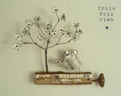 Déco mural arbre fleuri, fil de fer, bois et papier