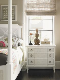 White Bedroom Furniture - Ivory Key Southampton Queen Post Bed
