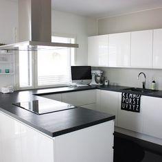 Instagram Kitchen Interior, Kitchen Design, Home Kitchens, Kitchen Ideas, Home And Family, House Ideas, Kitchen Cabinets, Dreams, Contemporary
