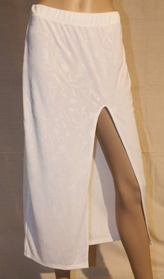 /white-with-rose-pattern-maxi-skirt-with