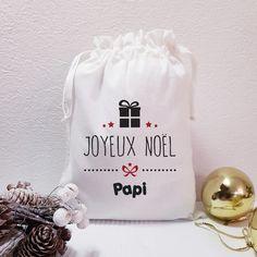 Chat Bleu Chaussettes Dans Une Chaussette Sac avec ruban et gift tag-Un Parfait Petit Cadeau!
