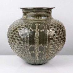 LADI KWALI (Nigerian: 1925-1984) - Stoneware