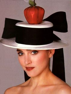 US Harper's Bazaar May 1988 Model/Star: Madonna Photographer: Francesco Scavullo Francesco Scavullo, 1980s Fashion Trends, 80s And 90s Fashion, Christian Lacroix, Jean Paul Gaultier, Madonna Like A Prayer, Color Castaño, Madonna 80s, Harper's Bazaar