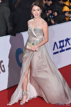 [Photos] Actors and Actresses on the Red Carpet at the 36th Blue Dragon Awards @ HanCinema :: The Korean Movie and Drama Database
