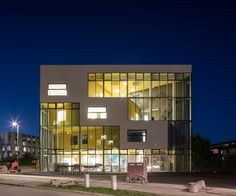 Gallery of Ku.Be House of Culture in Movement / MVRDV + ADEPT - 25