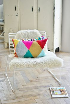 Heart Handmade UK: Wood and Wool Stool Diamond and Triangle Harlequin Inspired Crochet