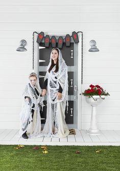 Ghost Costumecountryliving Easy Halloween Costumes For Women, Homemade Halloween Costumes, Cool Halloween Costumes, Diy Costumes, Halloween Diy, Halloween Dress, Halloween Couples, Costume Ideas, Group Halloween
