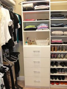 Spacious closet organization ideas using walk in design for Small walk in closet solutions