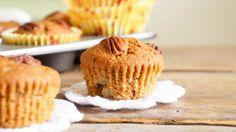Heb je zin in speculaas maar ben je op zoek naar een healthy alternatief? Probeer deze herfstige peer & speculaas cakejes dan eens. Suikervrij en gezond.