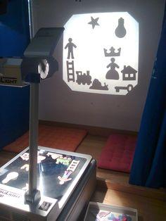 ecoles enfantines - DAY & NIGHT... Outdoor Classroom, Classroom Decor, Overhead Projector, Shadow Theatre, Window Art, Light Project, Classroom Inspiration, Reggio Emilia, Art Plastique