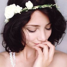 Simple flower crowns are my favourite flower crowns
