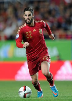 Isco Alarcon of Spain carries the ball forward during the Spain v Ukraine EURO 2016 Qualifier at Estadio Ramon Sanchez Pizjuan on March 2015 in Seville, Spain. Red Star Belgrade, Isco Alarcon, Seville Spain, Mens Hair, Iphone Backgrounds, Football Players, Ronaldo, Champs, Magick
