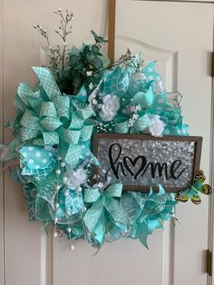 Newest Front Door Wreath Decor Ideas For Summer 52 Spring Door Wreaths, Summer Wreath, Wreaths For Front Door, Holiday Wreaths, Christmas Decorations, Holiday Decorating, Holiday Ideas, Summer Crafts, Diy And Crafts