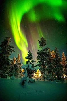 Experiencing the all-natural sensation of aurora borealis– aka Northern Lights– belongs on every vacationer's pail list. Beautiful Sky, Beautiful Landscapes, Beautiful World, Beautiful Lights, Nature Pictures, Beautiful Pictures, Northen Lights, Ciel Nocturne, Galaxy Wallpaper