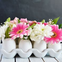 23 DIY Spring Centerpieces That Are Perfect for Easter via Brit + Co.