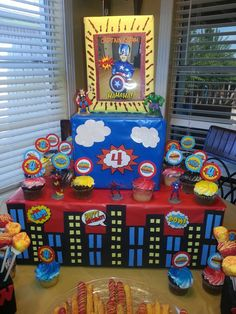 Superhero cupcake stand! By: Barbie Balboa