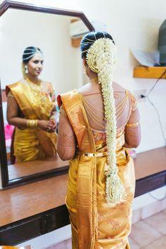 Trendy Bridal Wear Bridal Makeup in India Best Wedding Photographer Pre Wedding Photo Shoot South Indian Wedding Hairstyles, Indian Hairstyles, Bride Hairstyles, Bridal Braids, Bridal Hairdo, Wedding Saree Collection, Indian Bridal Fashion, Bridal Hair Flowers, Hair Decorations