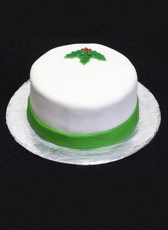 Christmas Cake by Sweetly Wild. Milford, Ohio  http://www.sweetlywildbakes.com