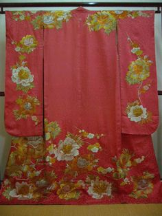 Vintage Uchikake, I have never seen one in pink before.