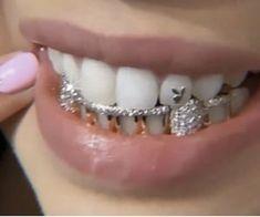 Ear Jewelry, Cute Jewelry, Jewelry Accessories, Jewellery, Tooth Jewelry, Girl Grillz, Diamond Teeth, Grills Teeth, Tooth Gem