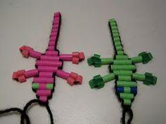 Näin teet hamahelmiliskon: Tarvitset: ♥ 2 neulaa ♥ n. 1 metri lankaa (käytän yleensä villalankaa, joka ryhdittää liskoa) ♥ 52 hamahel...