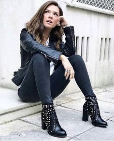 Viera, Attitude, Ankle Boots, Actors, Female Celebrities, Studs, Greek, Fashion, Ankle Booties