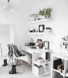 544 Likes, 27 Comments – Olivia ( on In… Browse pictures of home office design. Here are our favorite home office ideas that let you work from home. Home offices don't need to look as though they do at your common workspace or cubicle downtown. Study Room Decor, Room Ideas Bedroom, Bedroom Decor, Bedroom Inspo, White Desk Bedroom, Design Bedroom, Bedroom Furniture, Study Rooms, White Desk Decor