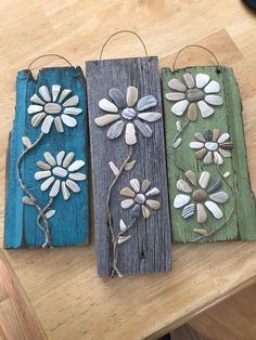 Terrific Pictures Barn Wood crafts Strategies Working together with reclaimed real wood has been rather favorite intended for one minute or perhaps two. Driftwood Crafts, Seashell Crafts, Beach Crafts, Driftwood Fish, Barn Wood Crafts, River Rock Crafts, Crafts To Make, Arts And Crafts, Stone Crafts