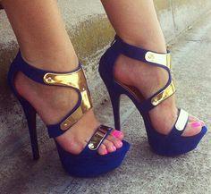 Azul y dorado  seguí los tips de moda de locura propia