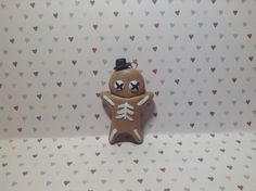 Sweet Little Gingerbread Skeleton Tophat Diy Clay, Cute Characters, Clay Ideas, Skeleton, Gingerbread, Charms, Sweet, Candy, Clay