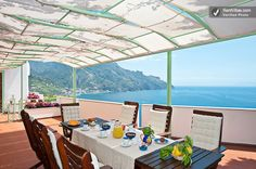 Breakfast on the Amalfi coast anyone? I think we could create some stunning photos at a location like this. What do you think?