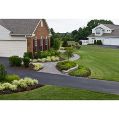 Front Yard Landscaping Design Ideas, Pictures, Remodel, and Decor - page 21
