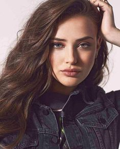 Katherine Langford looks ready for her closeup with her hair in a wavy style Most Beautiful Faces, Beautiful Girl Image, Beautiful Women, Girl Photography, Beautiful Actresses, Hollywood Celebrities, Beauty Women, Hair Makeup, Hair Beauty