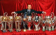 Berlusconi e l'addio al Milan, la fine poteva essere più gloriosa Il 5 agosto 2016 rimarrà una data storica in casa Milan, si chiude infatti oggi dopo ben trent'anni l'epopea da presidente rossonero di Silvio Berlusconi. Anni fatti di gioie, soddisfazioni, fuoricla #milan #berlusconi #calcio #calciomercato