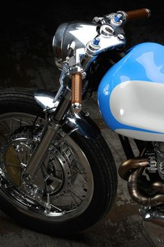 Kawasaki W650 by Revival Cycles - Silodrome